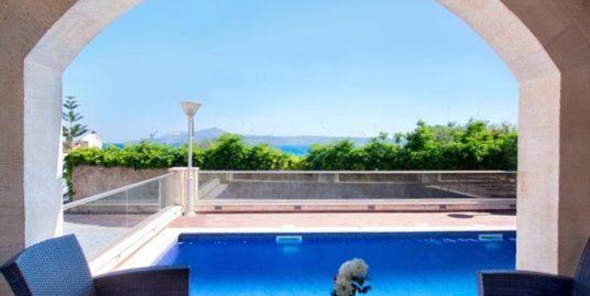 4 bedroom  villa for sale Greece Crete, by the sea