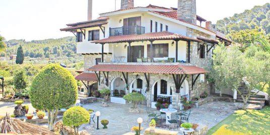 Villa for Sale Vourvourou Halkidiki – Operates as Hotel
