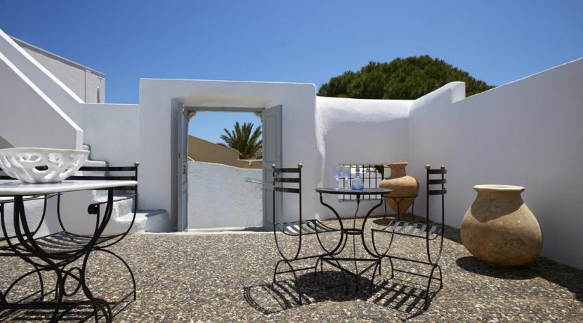House Santorini Greece Pyrgos 3