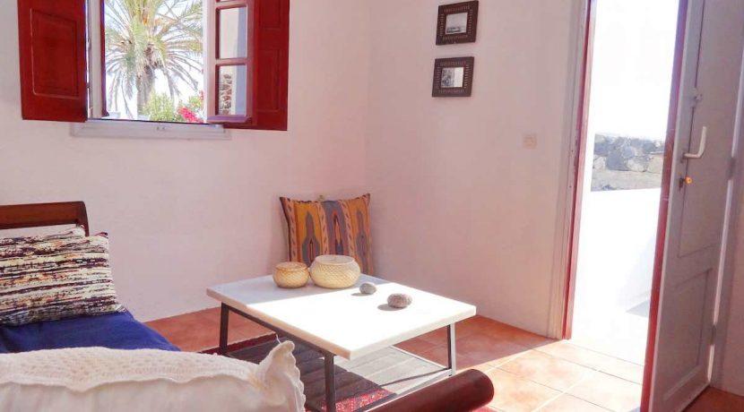 villa at Finikia Oia Santorini 3