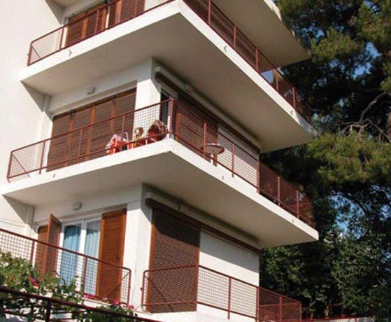 Hotel For Sale Vouiiagmeni Athens 6