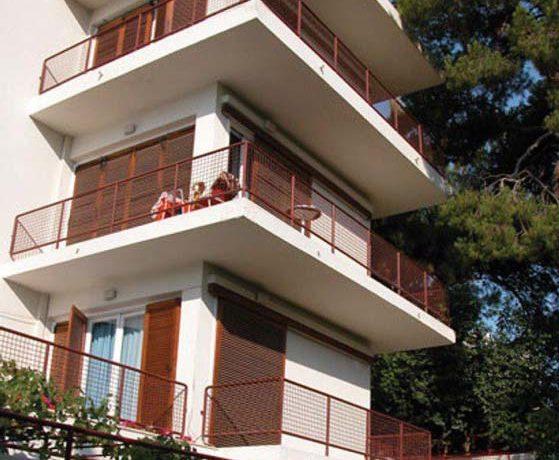 Hotel For Sale Vouiiagmeni Athens 6
