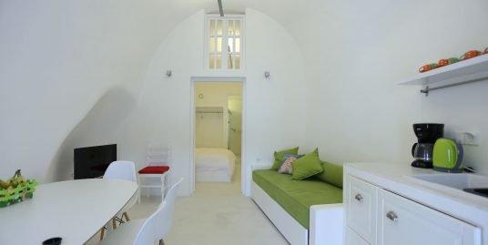 House for Sale in Santorini, Vothonas with 2 Bedrooms