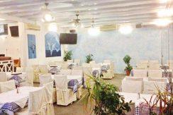 Restaurant on the Beach Santorini4