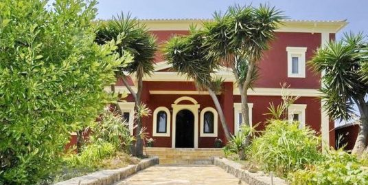 4 bedroom luxury Villa for sale in Corfu