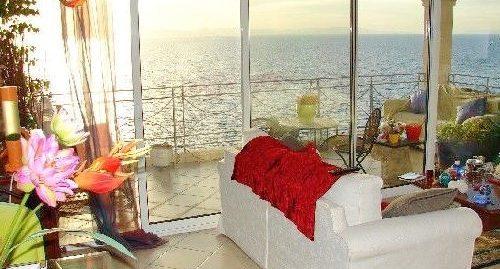 Maisonette Apartment with Sea View South Athens, Saronida