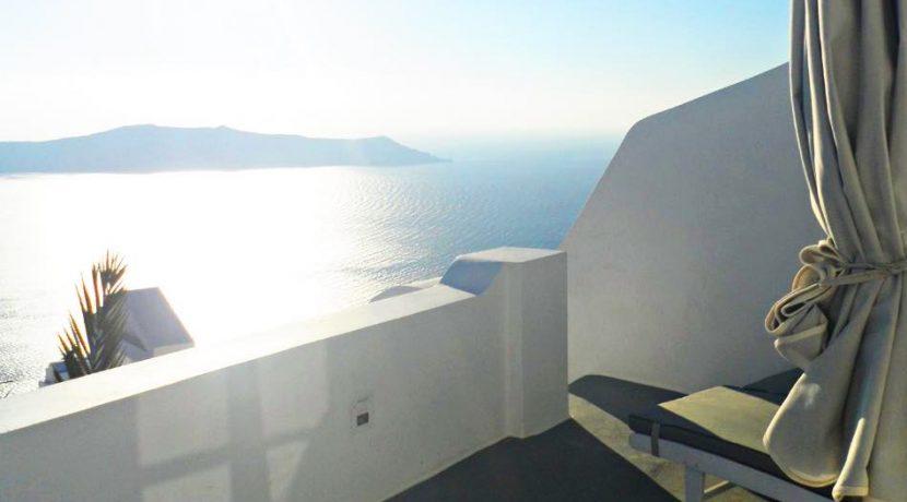 Candera In Santorini 4