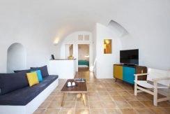 Cave House at Caldera Imerovigli 4