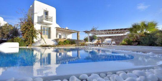 Villa at Mykonos Greece with 4 bedrooms