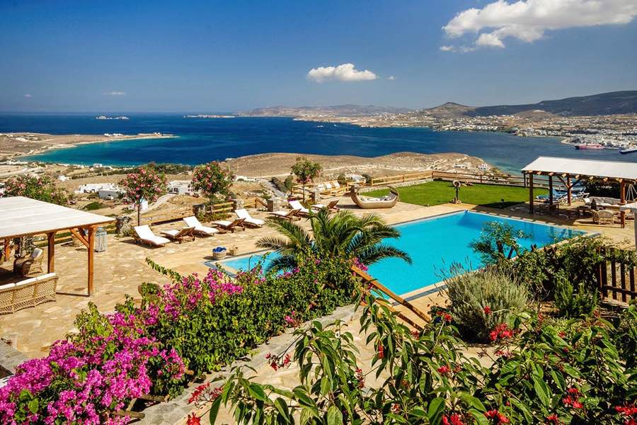 Property of 5 Villas by the sea at Paros – Total 612 sq.m