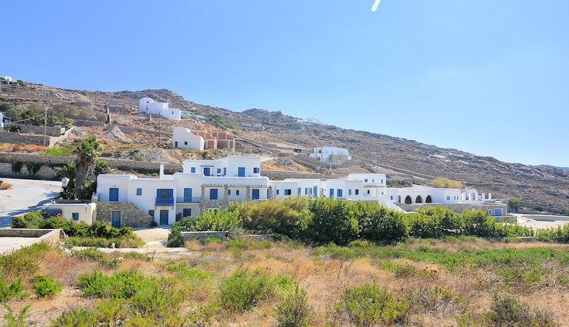 Property to be remodeled in a Luxury Suites Hotel in Mykonos 4