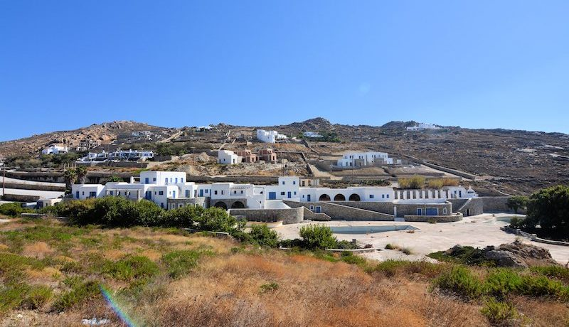 Property to be remodeled in a Luxury Suites Hotel in Mykonos 5