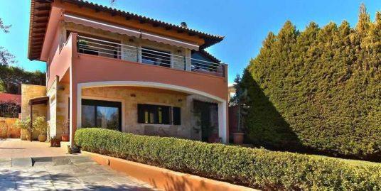 Villa with Garden in Attica, Anavyssos