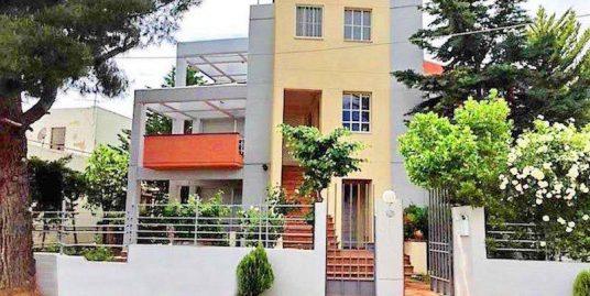 Villa at Kiffisia Athens with garden