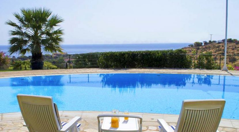 Villa with Pool near the sea Attica , Sounio 3