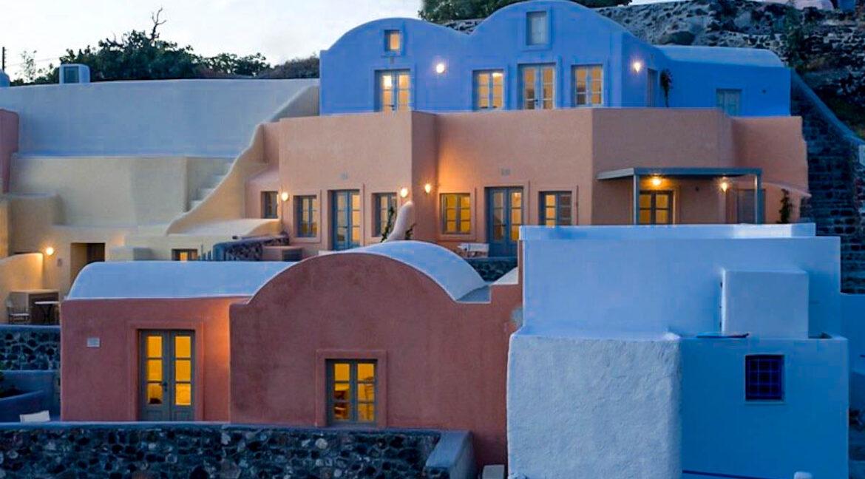Villas for Sale at Oia Finikia Santorini