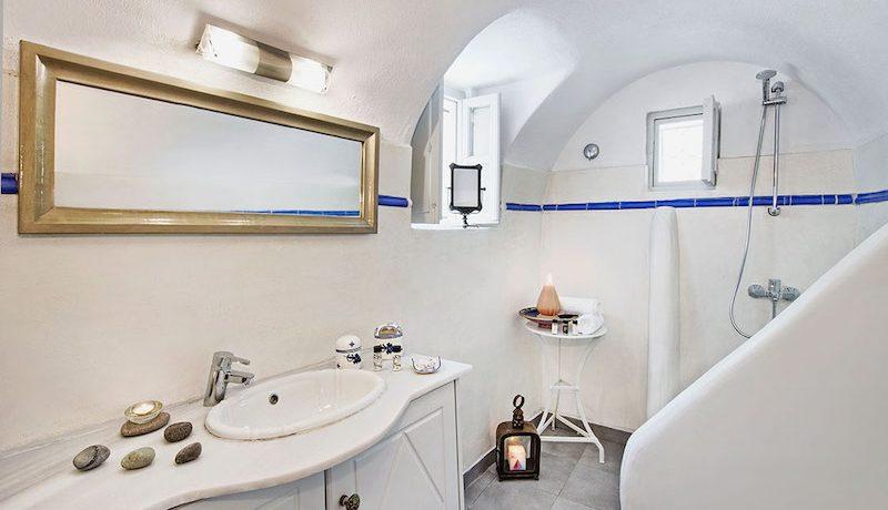 House Finikia Santorini for sale 5