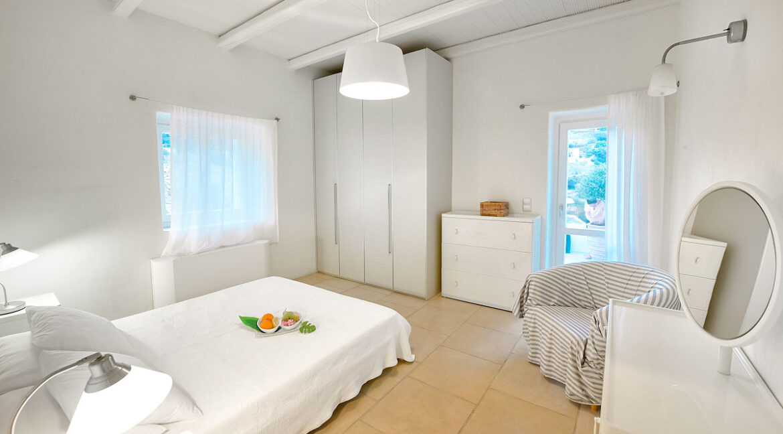 Luxury Seafront Villa , Ios Cyclades. Cyclades Luxury Villas for Sale 10
