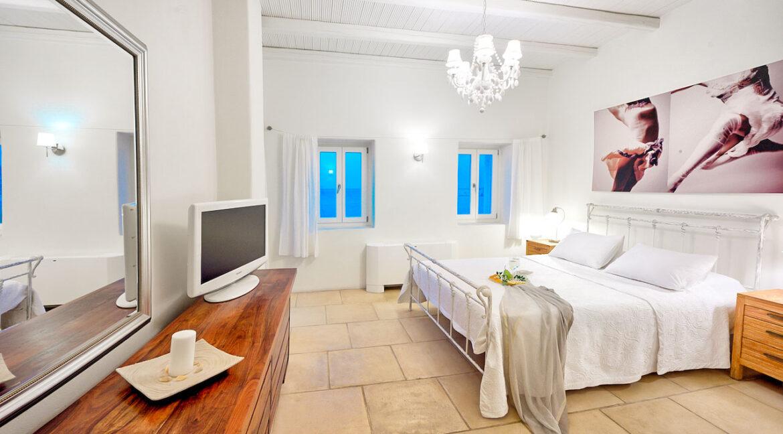 Luxury Seafront Villa , Ios Cyclades. Cyclades Luxury Villas for Sale 12