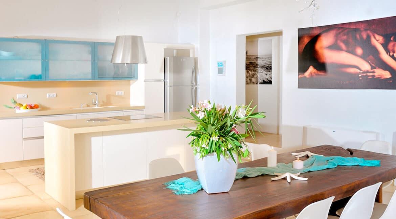 Luxury Seafront Villa , Ios Cyclades. Cyclades Luxury Villas for Sale 15