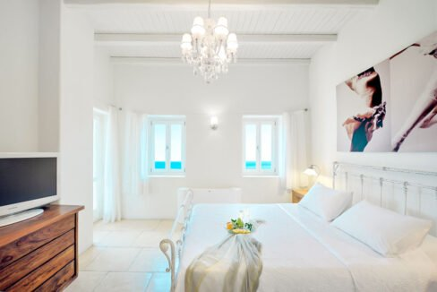 Luxury Seafront Villa , Ios Cyclades. Cyclades Luxury Villas for Sale 20