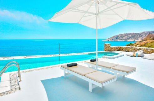 Luxury Seafront Villa , Ios Cyclades. Cyclades Luxury Villas for Sale