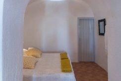 Santorini Finikia for Sale 12