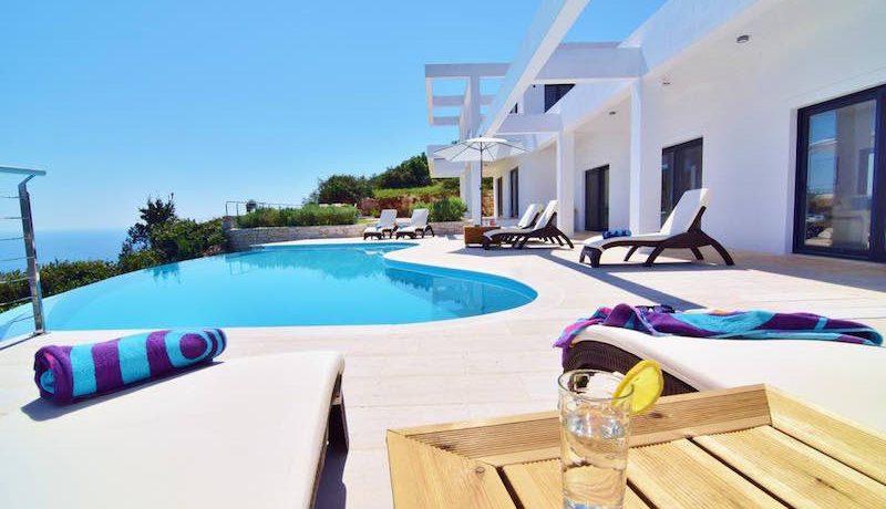 Waterfront villa Corfu 16