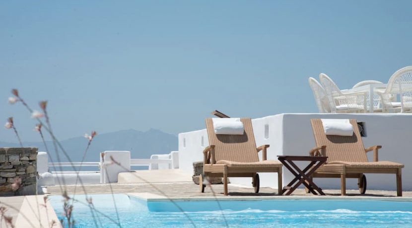 3 Houses Property With SEa View Paros 18