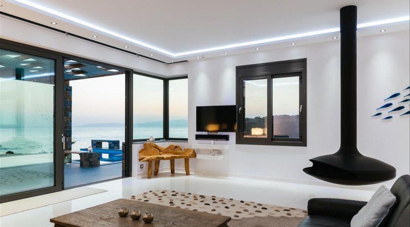 Amazing Seafront Villa at Crete 28
