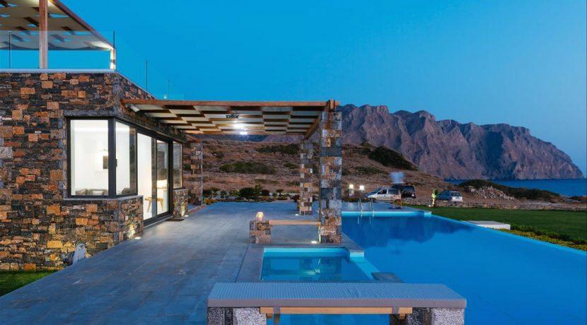 Amazing Seafront Villa at Crete 30