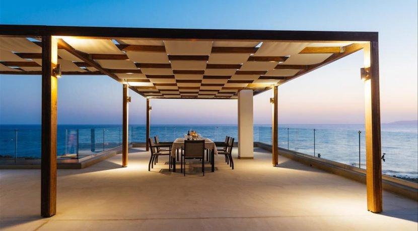 Amazing Seafront Villa at Crete 34