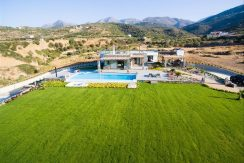 Amazing Seafront Villa at Crete 37