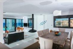 Amazing Seafront Villa at Crete 38