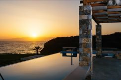Amazing Seafront Villa at Crete 42