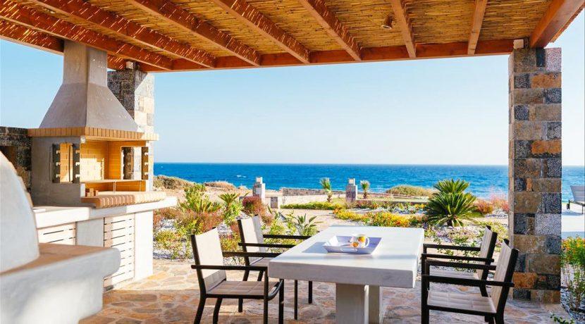 Amazing Seafront Villa at Crete 45