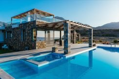 Amazing Seafront Villa at Crete 46