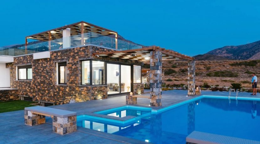 Amazing Seafront Villa at Crete 58