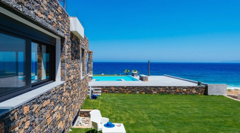 Amazing Seafront Villa at Crete 62