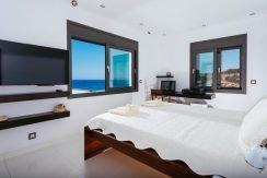 Amazing Seafront Villa at Crete 65