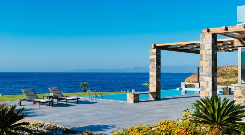 Amazing Seafront Villa at Crete 74