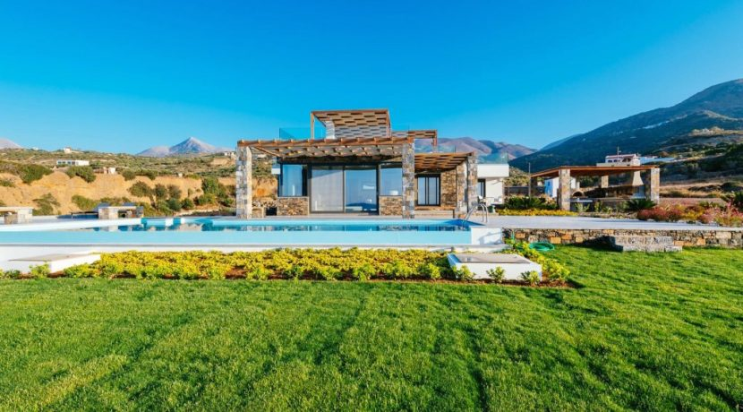 Amazing Seafront Villa at Crete 75