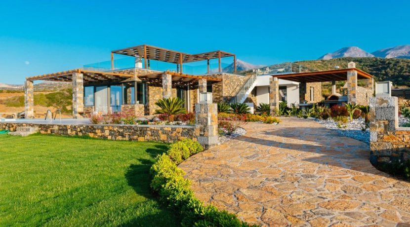 Amazing Seafront Villa at Crete 76