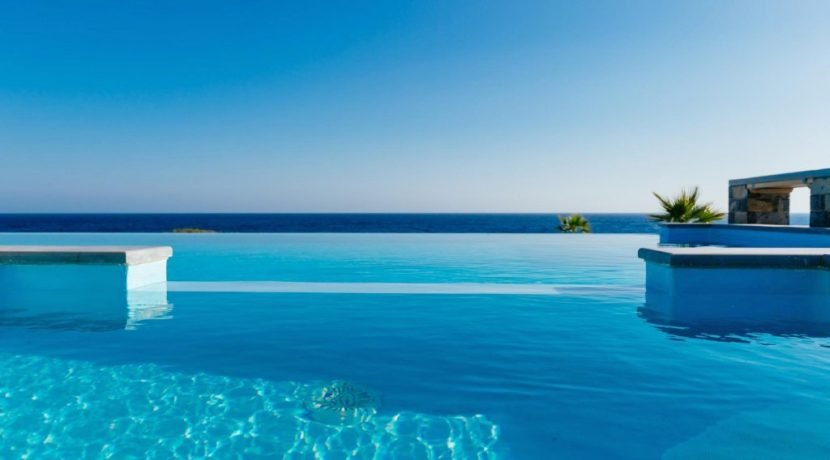Amazing Seafront Villa at Crete 77