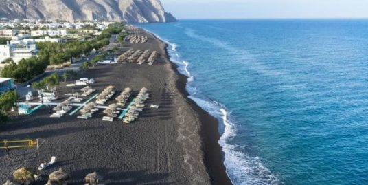 Beach Bar Restaurant for Sale at Santorini EXCLUSIVE