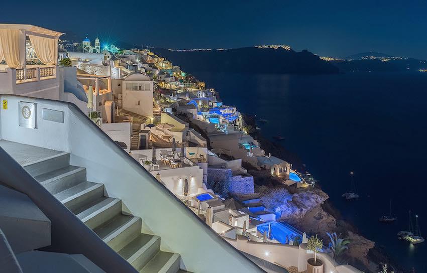 Luxury 15 Cave Houses Hotel at Oia Santorini
