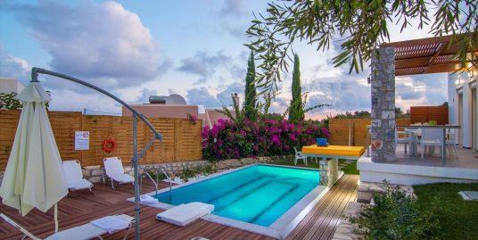 Economy Villa with Pool near Rethymno, Crete