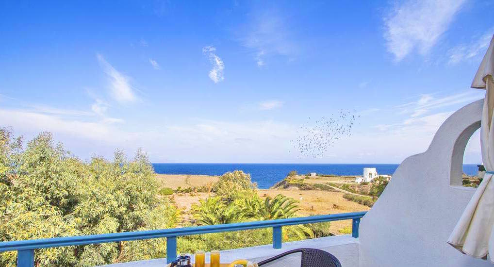 Hotel at Oia Santorini with sea view with 8 Apartments in 2.200 Land Plot