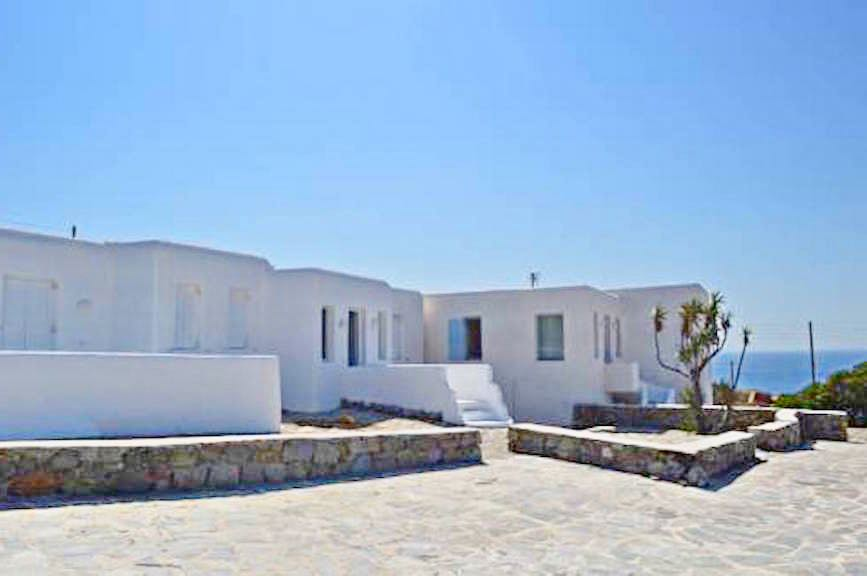 Ηοtel at Super Paradise beach in Mykonos EXCLUSIVE