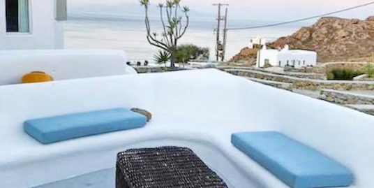 House at Super Paradise beach in Mykonos , 200 sq.m 4 Bedrooms